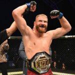 UFC Boss Dana White would like to bet 1 million dollars