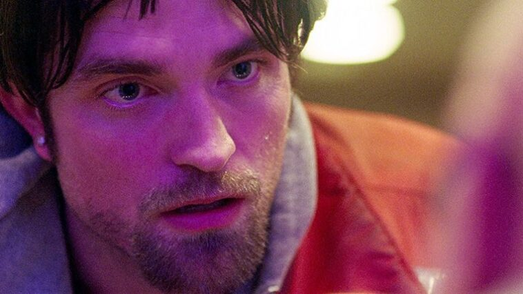 """Robert Pattinson say no to have sex with a dog for """"Good Time"""""""