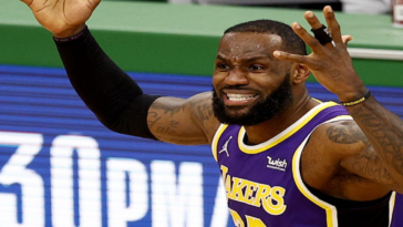 LeBron deleted tweet attacking police officer, who saved black girl
