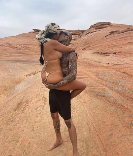Kourtney Kardashian's ex just shaded her for making out with Travis Barker in a bikini