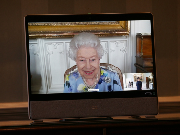 Queen Elizabeth appeared at her first official act since she was widowed