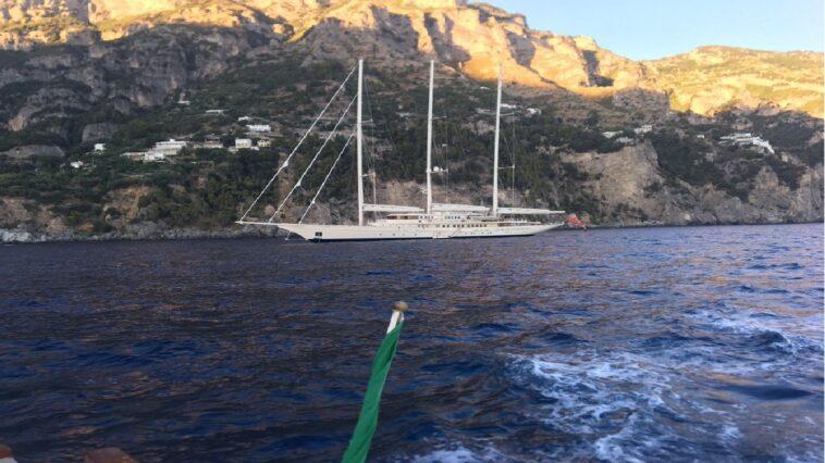 Family boat super yacht