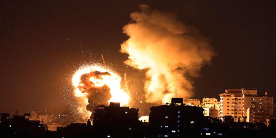 Palestinian terrorists fire hundreds of rockets into Israel