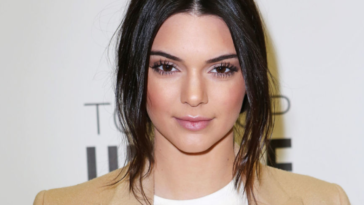 Kendall Jenner says she is pregnant to her mother in a little prank with her sister Kourtney