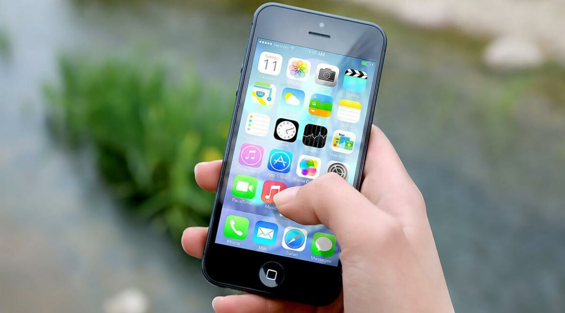 Apple pays out millions of dollars to student after leaking explicit photos