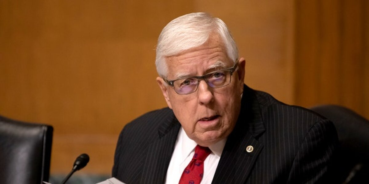Mike Enzi former U.S. senator dies at 77 after bicycle accident