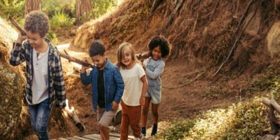Children discover a well in the forest: this is what was in it