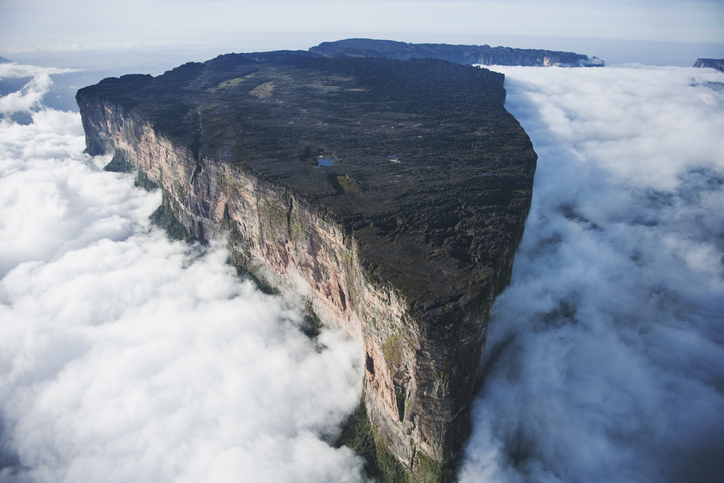 Mount Roraima: the most mysterious geological formation in history