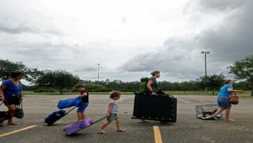 21 million Floridians evacuated from state: Helicopters, speedboats and buses assisted