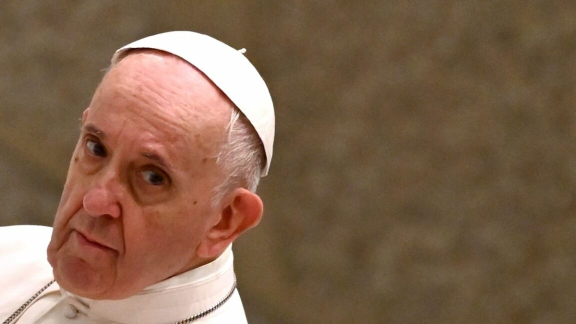 Threatening letter to the Pope containing three bullets seized by police