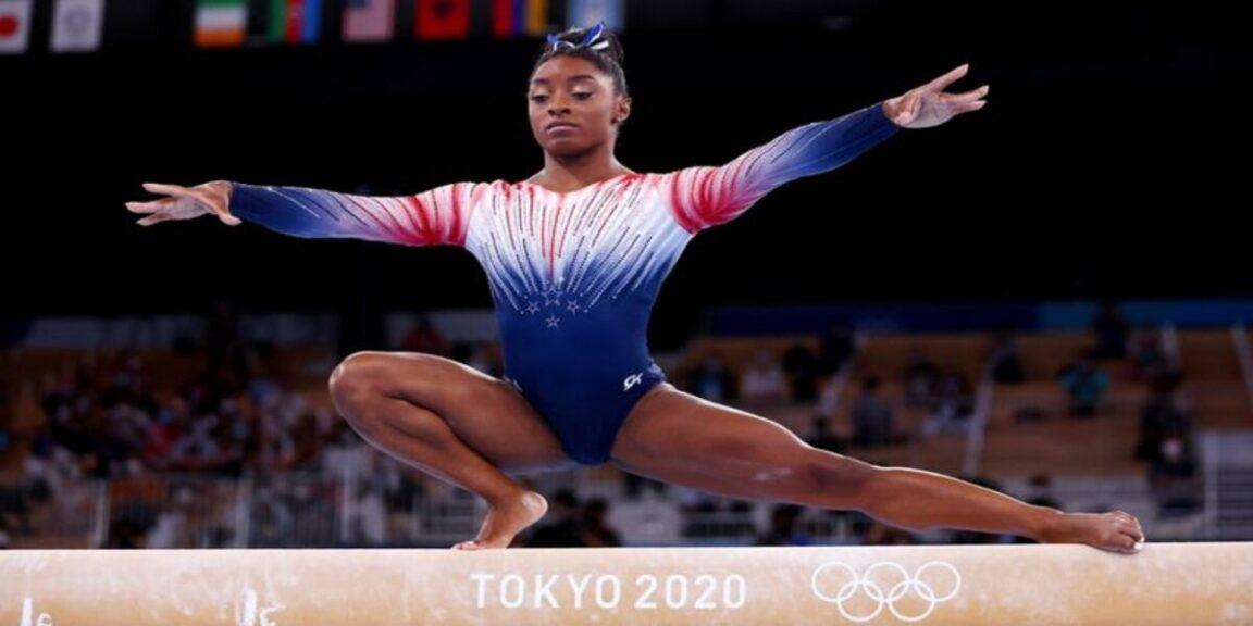 Simone Biles returns with a bronze medal on balance beam