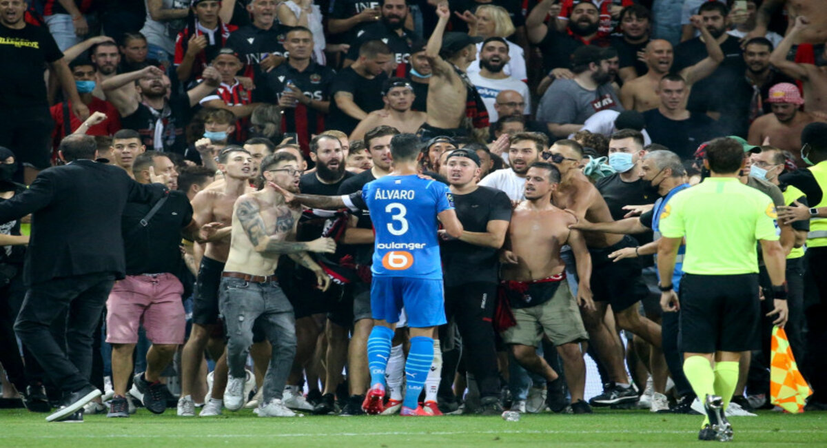 Investigation opened following incidents that led to the interruption of Ligue 1 soccer match