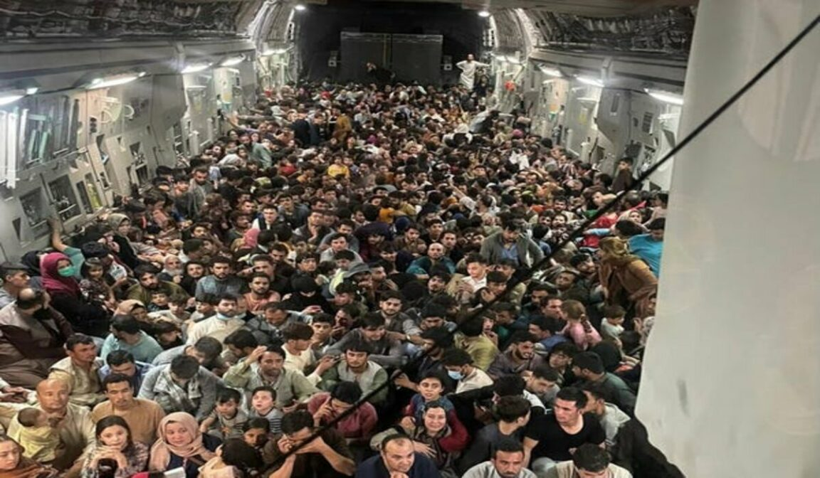 More than 600 people embarked on Air Force plane to flee Afghanistan