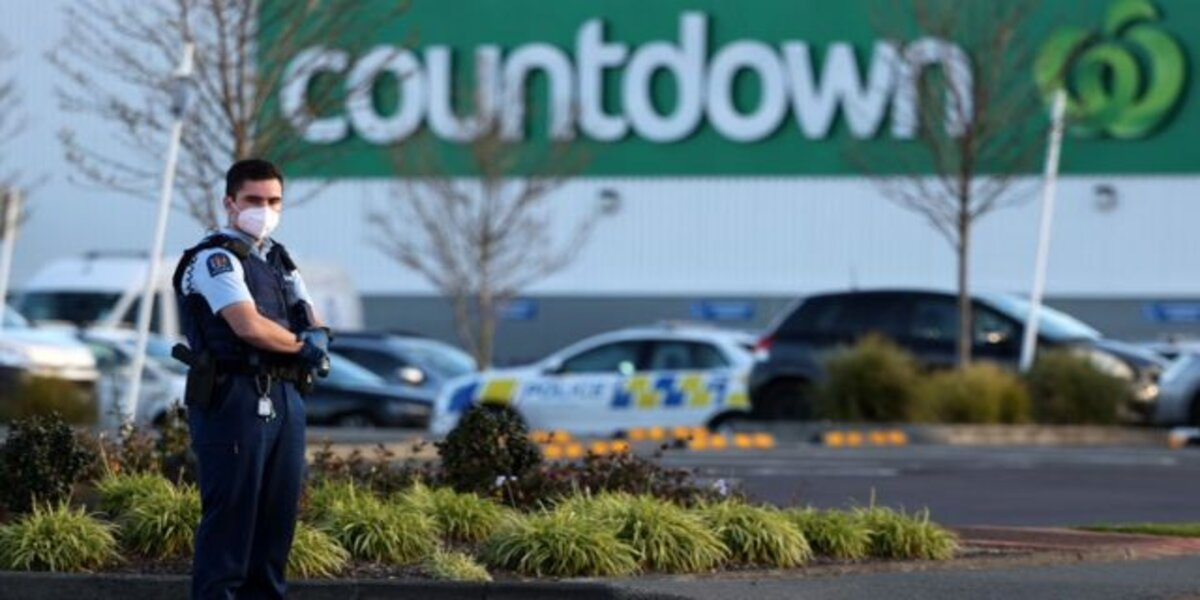 New Zealand police kill 'ISIS-inspired extremist' after he stabs 6 people in supermarket