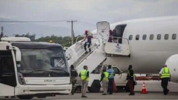 U.S. began deporting Haitian migrants detained in Texas