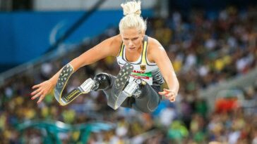 Australian Paralympian Vanessa Low breaks three world records in just one hour