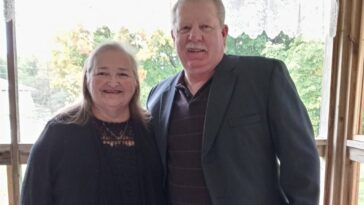 Fully vaccinated Michigan couple dies of COVID while holding hands