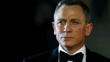 Daniel Craig named Commander of the Royal Navy for his 007 character
