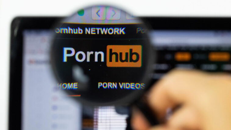Pornhub traffic increased by more than 10% during the five-hour Facebook outage