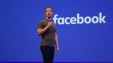 """Facebook plans to change its name to fit its """"metaverse"""""""