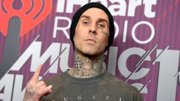 Travis Barker was once in a plane crash in which everyone else on board died